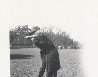 vintage photo 1920 Couple Fight over Golf club on Green