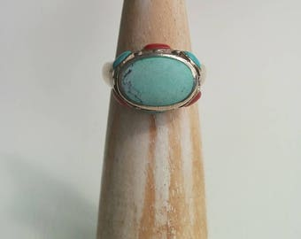 Vintage Sterling Silver Oval Shaped Blue Stone possibly Turquoise and Red Coral Cabochon Cluster Ring