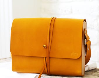 Leather handbag MIDI CROSSBODY HONEY