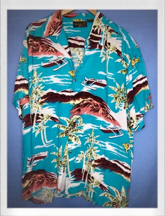 "Vintage Men's Hawaiian Shirt Size Large 23"" width 30"" length"