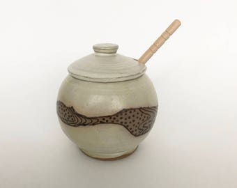 Honey Pot with Dipper - Ceramic Honey Jar - Pottery Handmade - Lidded Clay Jar - Ceramic White Honey Pot with Rustic Wood Grain and Dots