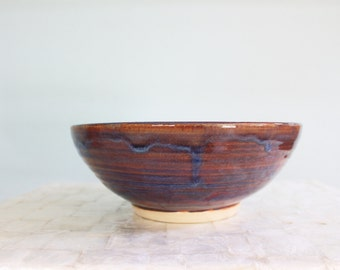 Large stoneware serving bowl - Sunset colors