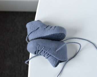 Felted booties for baby boy - Blue gray baby shoes - Baby crib shoes - Baby shower gift - Lace up booties - Unisex baby booties in gray