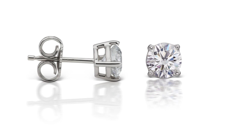 Diamond Stud Earrings in 14kt White Gold 4-Prong Basket