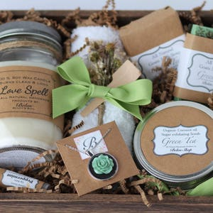 Bath and beauty spa gift // Mothers Day gift // Bridal shower Gift // Maid of honor proposal