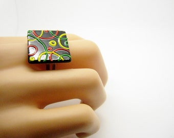 Ring dashed in relief, resin and paint 2 cm, Bohemian chic