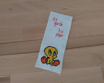 "Embroidered bookmark - Tweety ""Ze keeps your paze!"""