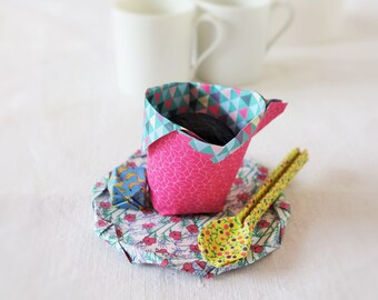 Origami, coffee cup with saucer, spoon and sugar, presented in a very nice box