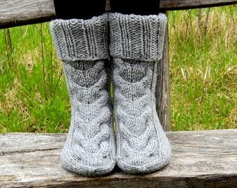 Hand knit slipper socks, Wool Slipper Boots, Bed Socks, Knit Booties, Knitted Stocking, Knitted slipper socks, Knit Indoor Clogs