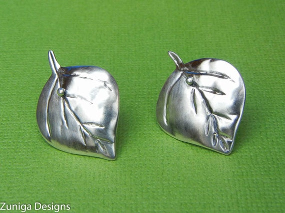 """Aspen Leaf Earrings, 3/4"""" x 1-1/8"""", 21mm x 28 mm, Approx Size, Silver Hammered, Ear Post. Nice gift for Mom."""