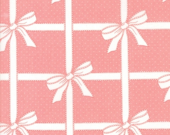 VINTAGE HOLIDAY Bonnie & Camille Vintage Christmas Wrapped Up Pink 1 Yard Moda Fabric