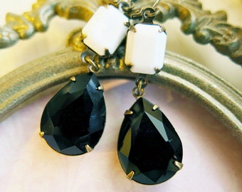 Vintage Style Bridal Jewelry Black and White Earrings Bridesmaid Earrings Vintage Wedding Black Earrings Gift Old Hollywoo Style Glamour