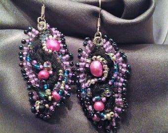 BLACK RIBBON LEAF Earrings
