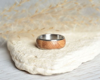 Wood ring size 5,5, wooden band ring with stainless steel, natural ring & wood inlay, reclaimed wood jewelry, wood ring ready for shipping