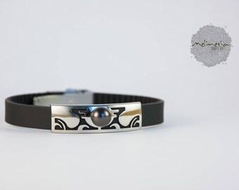 Bracelet stainless steel, detail Polynesian and Tahitian Pearl