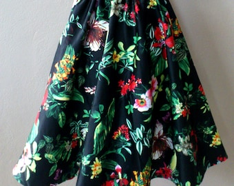 MADE TO ORDER Gathered Retro inspired Circle Midi Skirt/ Green Floral Print in Black/ Cotton/ Garden Party/ Rockabilly skirt
