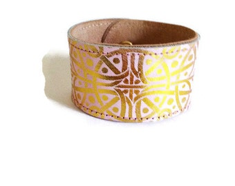 Wearable Tech Fitbit Alta HR Fitbit Bracelet Fitbit Flex2 Fitbit Alta Cuff Wristlet Pink and Gold Leather Cuff All Activity Tracker types