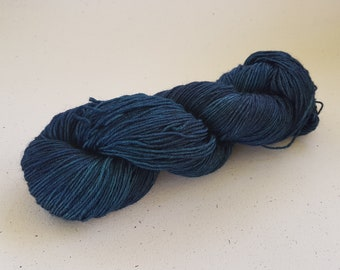 Pre - order Abyss, wool, knitting, hand dyed.