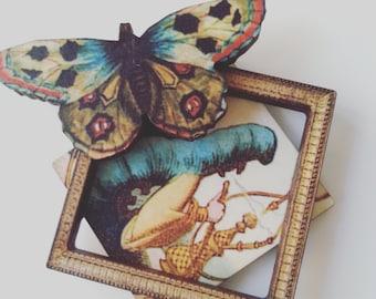 Absolem, Alice au pays des merveilles, broche, caterpillar, bois, bois, couche, encadré, papillon, par NewellsJewels sur etsy
