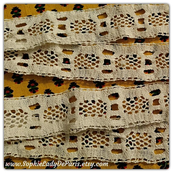 Victorian Bobbin Lace Braid Square Off White French Cotton Lace Unused Shelf Edging Home Decor Sewing Project Collectible #sophieladydeparis