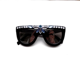 Embellished third eye sunglasses | psychedelic oversized bedazzled shades with third eye | music festival sunnies