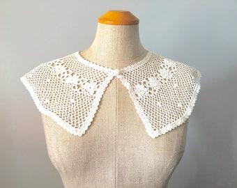 Vintage 40s 50s White Crochet Collar OS Button Down NOS