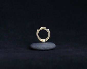 No. 5 : modern bronze ring