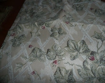 "34"" Vining Trellis Home Decor Fabric"