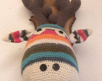 Trophy deer in crochet