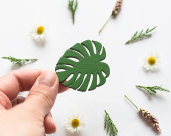 Monstera leaf wooden brooch - Monstera plant - Tropical - Wooden pin -  Laser cut - Lasercut jewellery - Gift for her - Gift for women