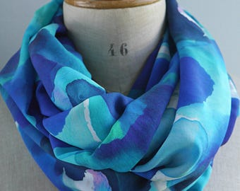 blue round scarf, blue infinity scarf, summer loop scarf, fabric scarf, viscose rayon scarf, gift for her, colorful scarf, blue fabric scarf