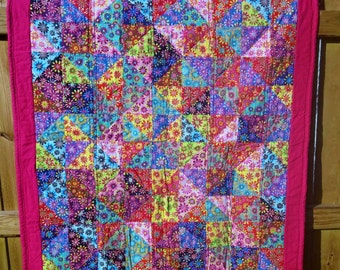 Pink with crazy daisy baby/toddler quilt