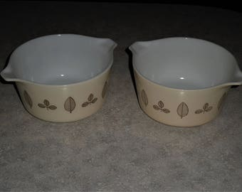 pair of Pyrex Buffet Twin modern gold leaf casserole bowl 2 dishes 1959 Promo