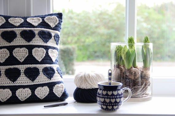 Crochet pattern Hearts cushion - How to Crochet Summer Pillow Patterns