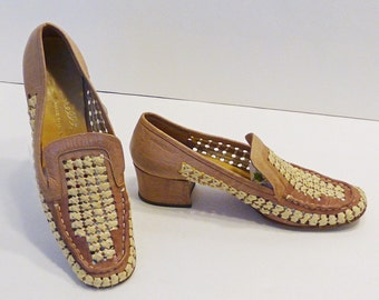 60s Shoes / 1960s Shoes / Vintage Loafers / 60s Loafers / 1960s Loafers / Leather Loafers / Leather Shoes / Vintage Flats / Flats / 6.5
