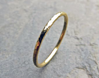 nordic band wedding gold engraved media ring mens bands