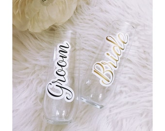 Bride & Groom Stemless Champagne Flutes // His and Hers // Mr. and Mrs. Glasses // Wedding Gift // Anniversary Gift // Bridal Shower