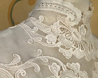 1960s Vintage Wedding Dress / Victorian Inspired Vintage Wedding Dress / Lace and organza Long-Sleeved Wedding Dress / 1960s Bridal Gown