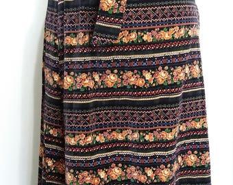 Velvet maxi skirt, M, L, floral maxi skirt, vintage 70s, 70's maxi skirt, velvet skirt, floral skirt, wrap skirt, black skirt, winter skirt
