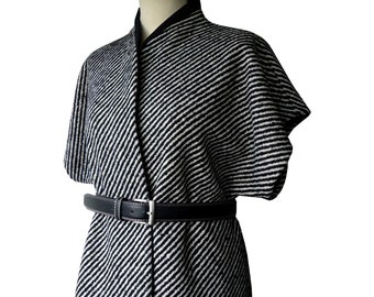 Jacket kimono print black and white high collar