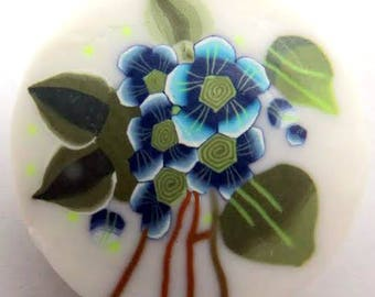 Polymer clay of blue flowers