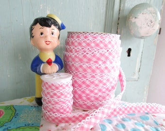 Pink Gingham Crochet Edge Bias Tape (No. 86). Pink Gingham Fabric.  Pink Gingham Quilt Binding.  Pink Gingham Trim.