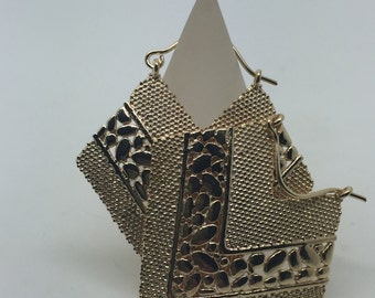 gold plated dangle earrings,carving dangle earrings,drop earrings,gold drop earrings,ethnic earrings,gold plated earrings,boho earrings