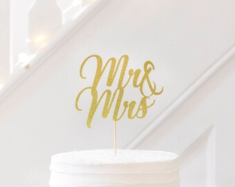 Mr & Mrs Wedding cake topper. Wedding cake topper. Wedding decorations. Table decor.  Gold glitter. Silver. Rose Gold. Stylish Wedding Cake.