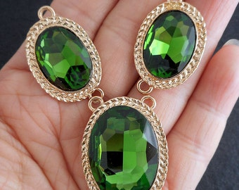 Green Glass focal set- faceted Emerald Green Glass 2 loops pendant, 3-connector