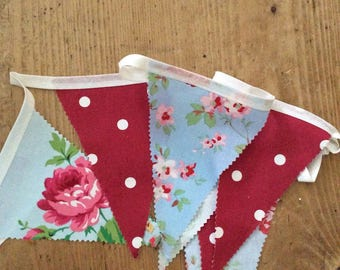 Single sided bunting in floral and spots