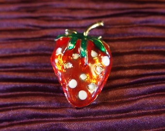 Vintage Gold Tone Metal & Enamel Strawberry Tie Tac Lapel Pin Brooch