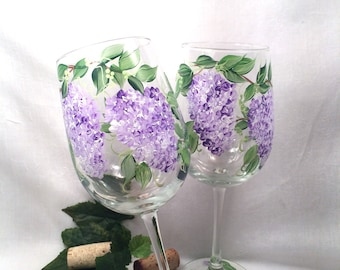 Free shipping Lilacs hand painted on a pair of pretty wine glasses