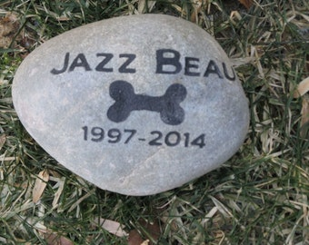 PERSONALIZED Dog Pet Memorial Stone Grave Marker Headstone with Bone 7-8 Inch Cemetery Burial Tombstone Grave Marker