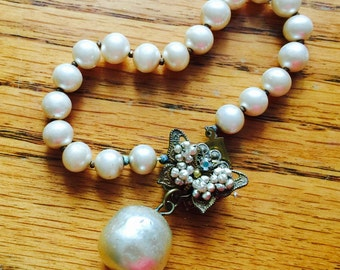 Vintage Miriam Haskell bracelet glass baroque pearl butterfly clasp style signed excellent quality costume jewelry bridal wedding